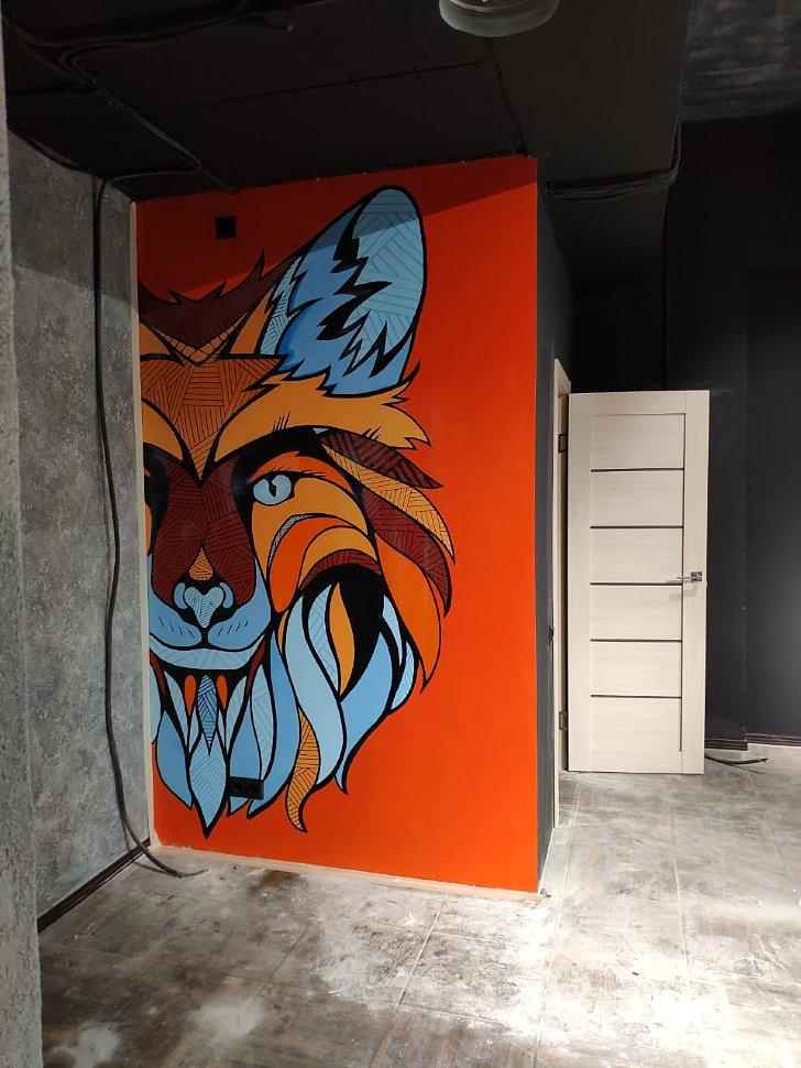 Граффити в магазине UgliStuff в Кудрово
